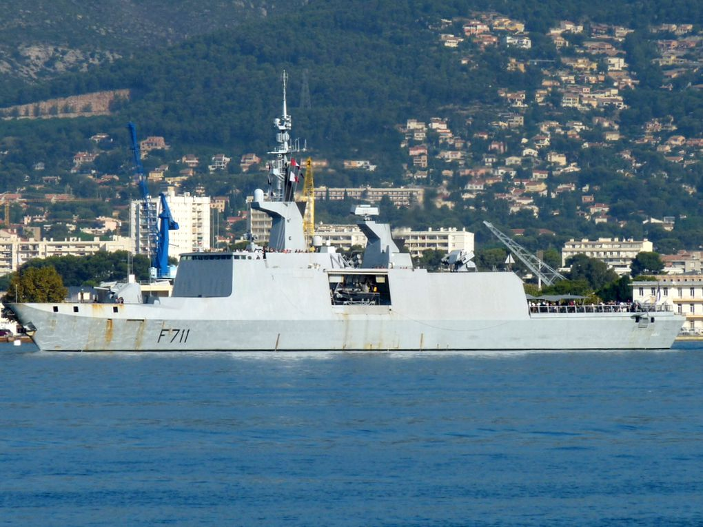""""""" SURCOUF """" F 711 , frégate type la Fayette (FLF) appareillant de Toulon le 15 Septembre 2018         pour la traditionnelle """"sortie des familles  """""""