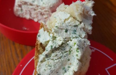 Fromage maison style boursin ou tartare