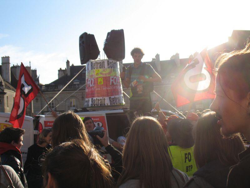 TRES TRES FORTE PARTICIPATION à A DIJON CETTE APRES MIDI La mobilisation a été très forte ce matin dans les rues de Dijon