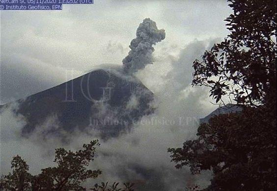 Reventador  - 05.11.2020 - webcam IGEPN