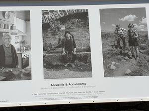 L'inauguration des panneaux photographiques de St Chély d'Aubrac suivie du pot de l'amitié clôturera cette magnifique journée sur l'Aubrac ou le club St Cômois était largement représenté avec 37 participants