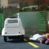 FASCICULE N°54 CITROEN 2CV AMBULANCE MUNICIPALE NOREV 1/43 - car-collector.net