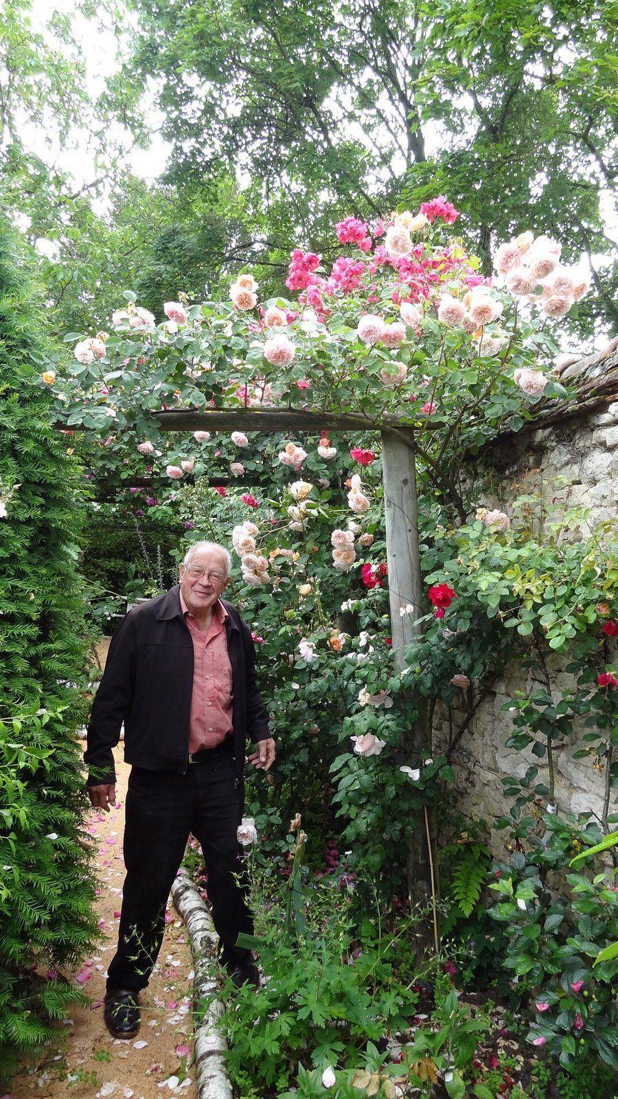 Si on avait dit cela à André; il ne l'aurait pas cru. Lui qui aimait tant son jardin et le faire visiter.