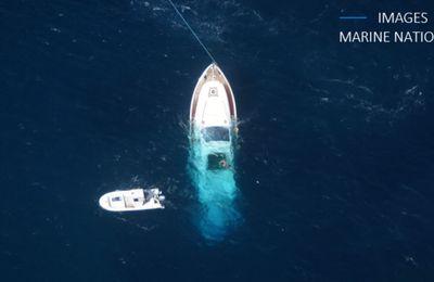 Yachting - Un motoryacht italien de 75 pieds sombre au sud de la Corse