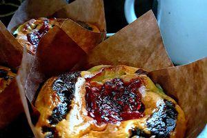 Cheesecake brownie muffins