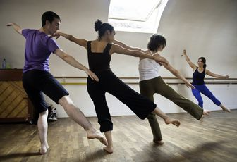 Photos des cours de danse contemporaine adultes