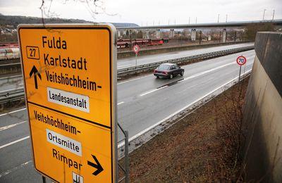 B 27 von Veitshöchheim bis Thüngersheim ab 2. bis 21. November jeweils von 19 bis 6 Uhr halbseitig durch Ampelregelung gesperrt