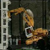 AMAZING Liebherr Excavator Climbs To The Top