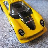 CHEVROLET CORVETTE CALLAWAY C-7 HOT WHEELS 1/64 + PORTE CLES - car-collector.net