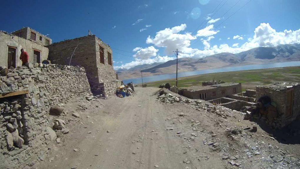 Le village de Karzok qui est habité en permanence par une petite communauté de nomades Changpa est l'un des villages en activité les plus haut d'Asie