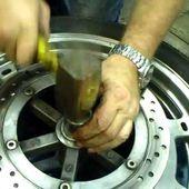 Goldwing Unsersbande - changement roulement roue avant 4/7