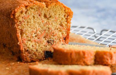 Cake à la carotte, aux noix et raisins secs