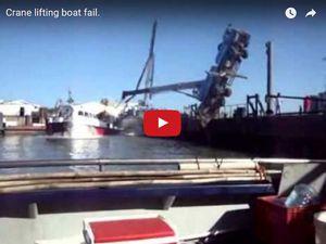 VIDEO - grutage de bateau catastrophique