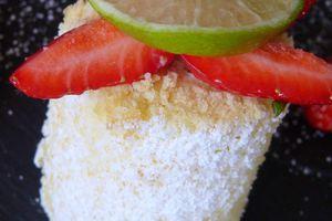 Génoise roulée au lime curd et fraises