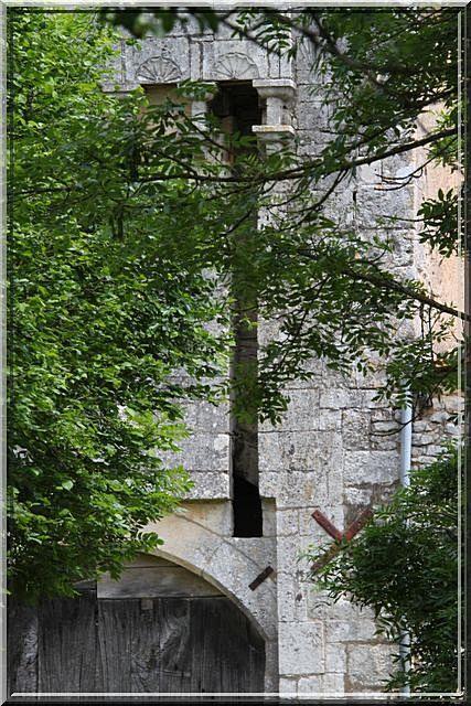 Diaporama église et château de Vilhonneur