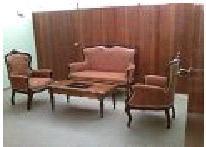 Studio meublé au plateau dans une cité sécurisé avec toutes les commodités: Location 30 000 Fr - 45 Euros par jour. Tél: 00 225 22 49 47 95 - 00 225 49 29 87 8