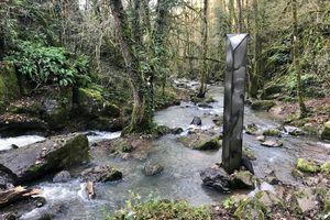 Un monolithe a été trouvé sur la commune d'Exireuil, dans les Deux-Sèvres, encore un!
