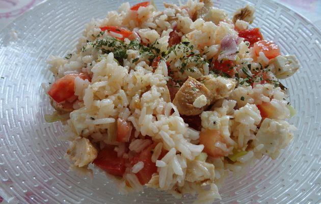Salade de riz au poulet mariné et à la féta