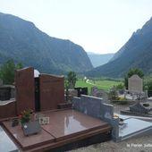 Cimetière en montagne (3 photos) - Le blog de Bernard Moutin