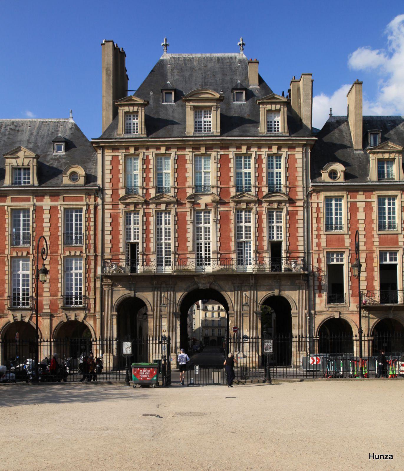 Paris, pavillon de la reine place des Vosges