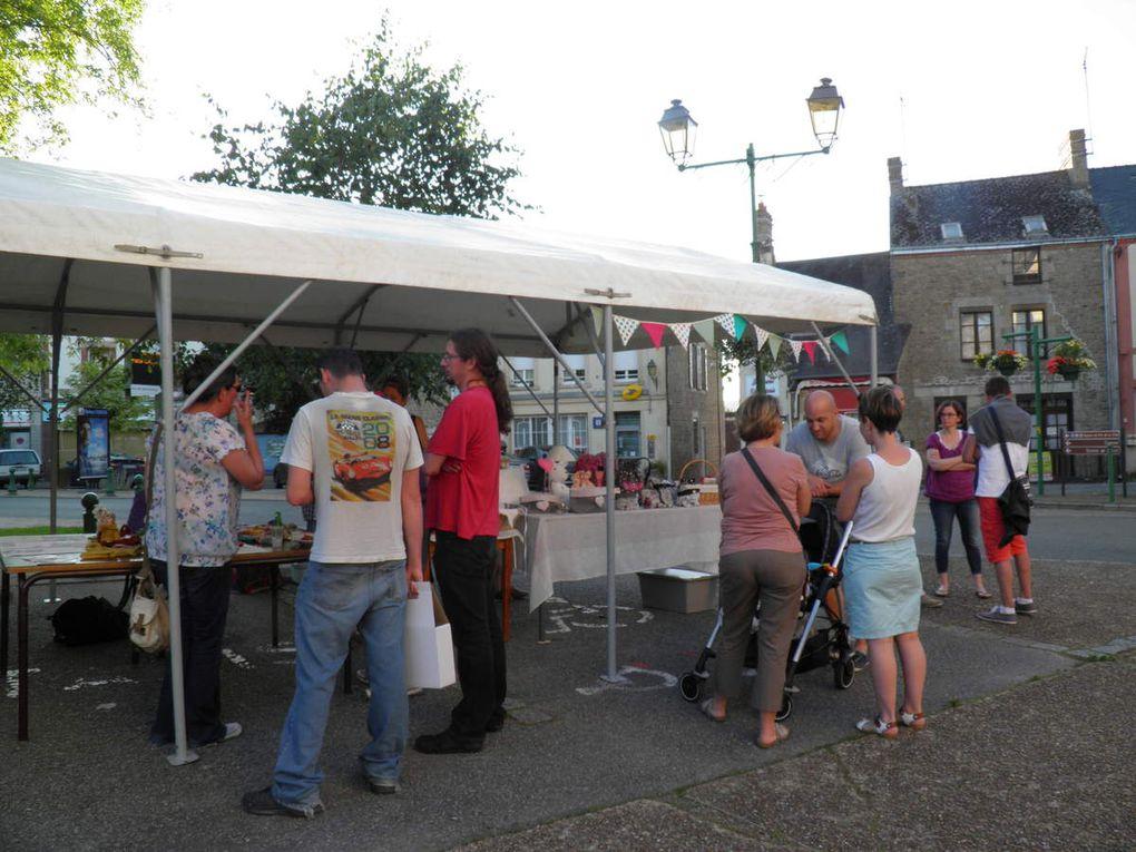 Marché du terroir à Saint-Pierre-des-Nids le 8 juillet 2016.