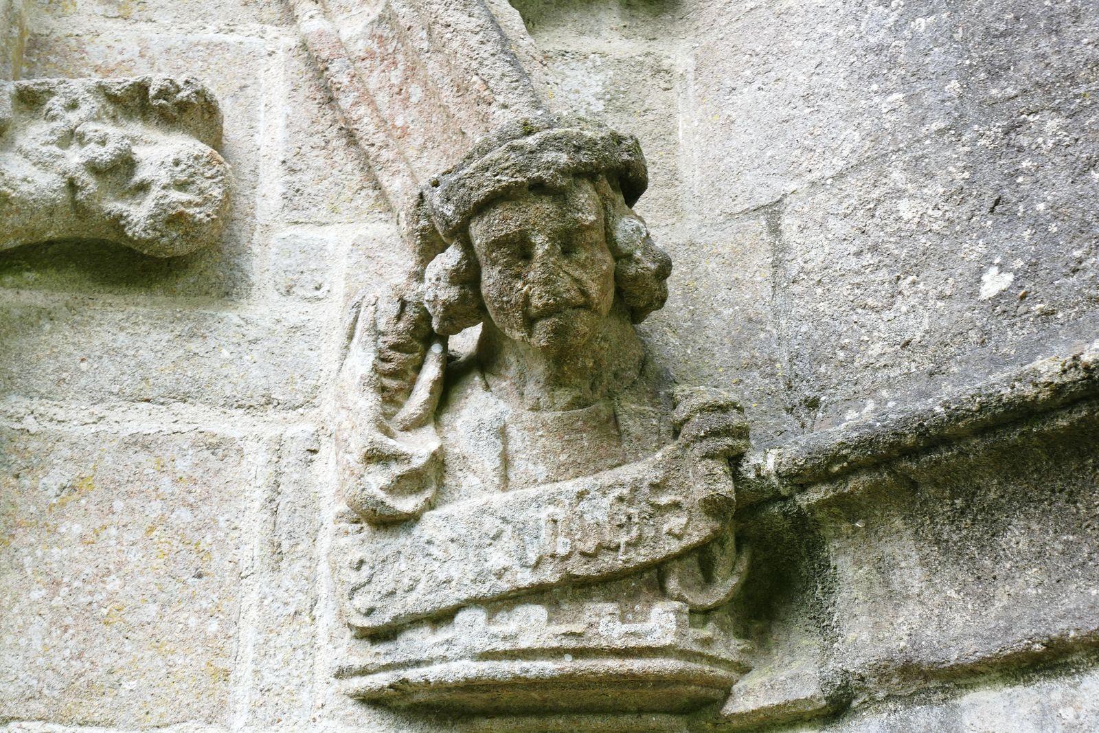 Porche ouest (1516) de la chapelle de Saint-Herbot. Photographie lavieb-aile 4 août 2021.