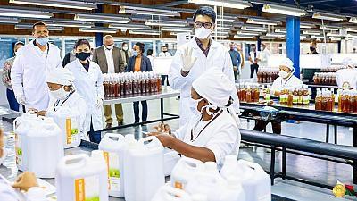 "Madagascar : lancement du Covid-Organics, un ""remède"" contre le COVID-19"