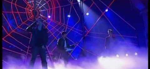 U2 - Spider Man American Idol finale 25-05-2011