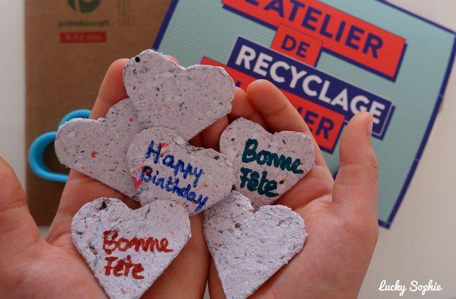 Etiquettes cadeau en papier recyclé à planter DIY