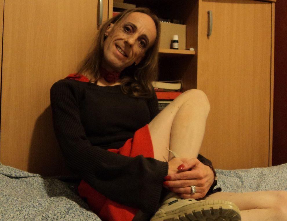 DIAPORAMA ~ Lady Violette, maîtresse et soubrette du tango argentin dans le sud-est de la France, sissyboy diary, album art lifestyle danse théâtre écriture homosexualité transsexualité et mode de vie alternatif d'un petit français efféminé et sensible de la quarantaine.