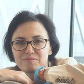 """Palmarès Prix DORA-SUAREZ 2020 : notre portraitiste criminocorpus PRIX DU PREMIER ROMAN ,Florence Rhodes pour """"La confrérie des Louves."""" - Le blog de Philippe Poisson"""
