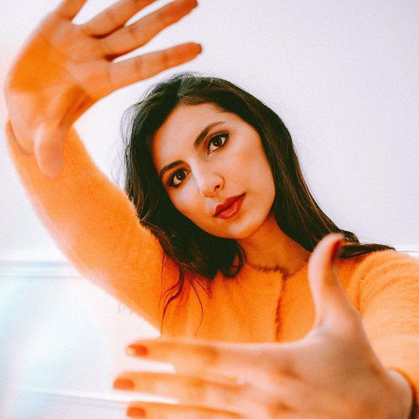 Rencontre avec Jenn Sarkis à l'Idol Hôtel à l'occasion de la parution de son nouveau single !