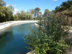Le canal de Marseille (entre Saint Estève-Janson et le bassin de Saint-Christophe)