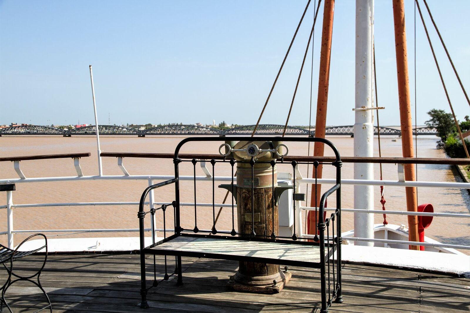 Vue du pont supérieur avec le compas