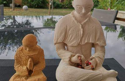 Méditation de 2 jeunes moines