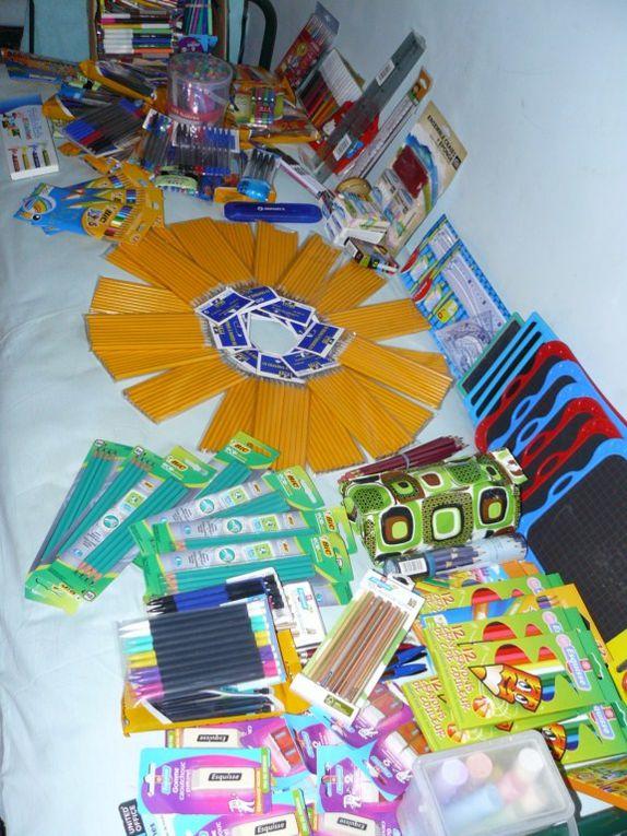 Des fournitures scolaires récoltées à Orthez et Salies... Des enfants qui étudient. Des handicapés qui veulent s'en sortir. Des sites touristiques. Des couleurs. (Aucune de ces photos n'ont été retouchées.)  Tout cela, mais pas les odeurs !