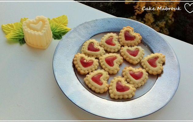 Petites tartelettes coeurs noix de coco citron à la confiture de fraise