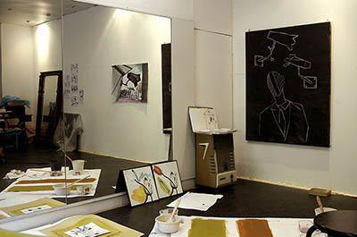 """Anne VIDAL<br />Vit et travaille à Nîmes<br />photos ; ©jean-pierre LOUBAT 2006<br />Contact :<a href=""""mailto:artplus.loubat@wanaddo.fr"""">artplus.loubat@wanadoo.fr</a>"""