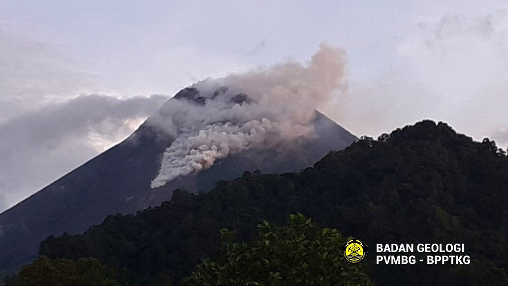 Merapi - 01/18/2021 / 5:43 a.m. - pyroclastic flow of collapse - photo PVMBG