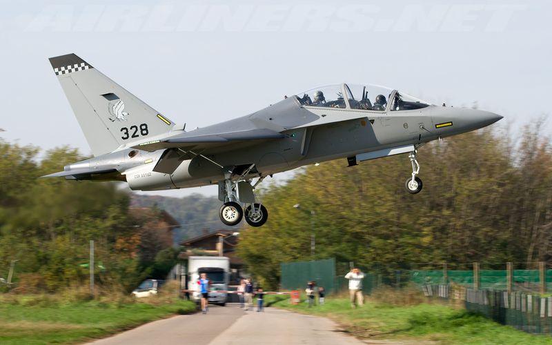 La Pologne valide l'achat de huit M-346 Master
