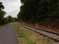 Voie verte au sud de Caen sur ancienne voie ferrée suivant partiellement l'Orne