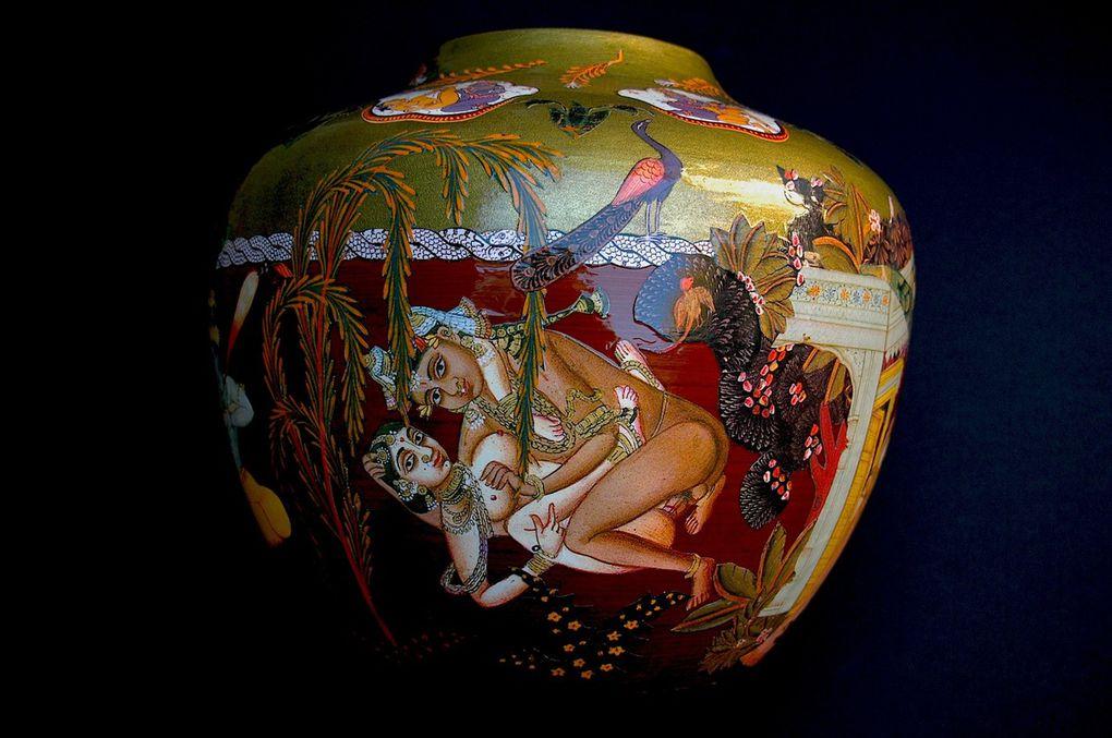 Peinture-collage sur vase bambou (H; 24 x C. 94)