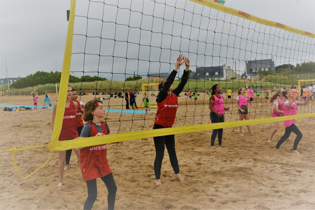 Les associations sportives du district UNSS de Rosporden en tournoi de plage
