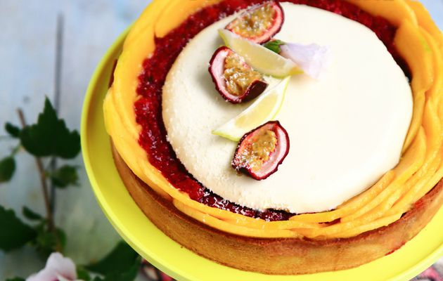 Tarte coco (frangipane coco, compotée de framboises, panna cotta Ivoire & mangue fraîche)