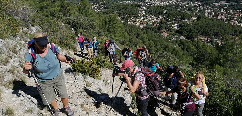 """La montée """"infernale"""" depuis Cadolive entre sous-bois, garrigue et quelques rochers......."""