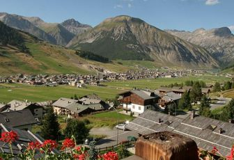 Fine settimana ad alta quota: Bormio e Livigno. Alpi, Terme, Shopping - 2/ 3 Maggio