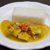 Mijoté de poisson au curry et lait de coco
