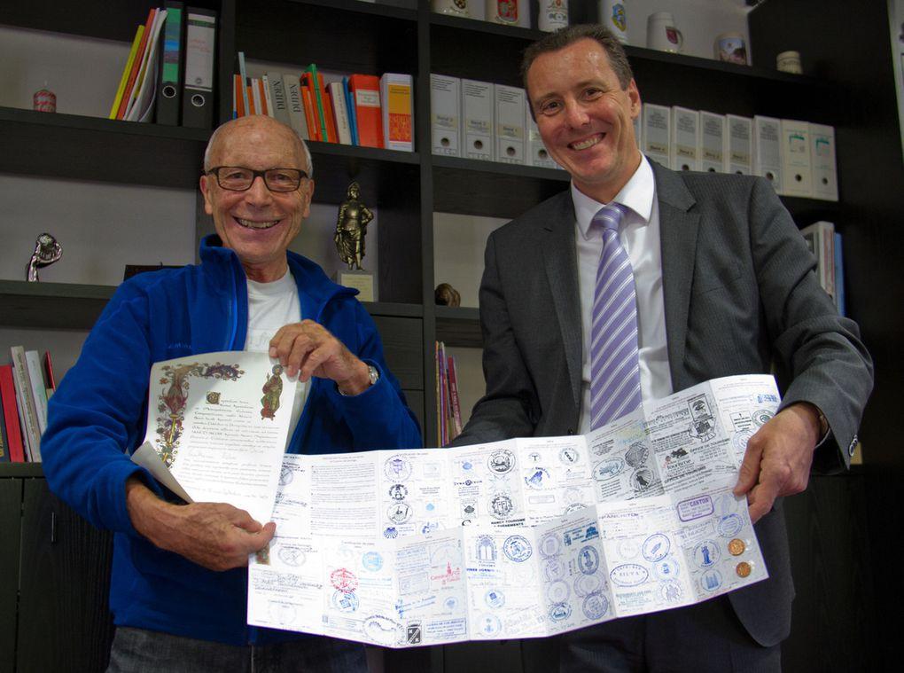 Veitshöchheimer Eheleute Christa und Günter Röhm spendeten anlässlich ihrer 75. Geburtstage 5.000 Euro für die Tumorforschung