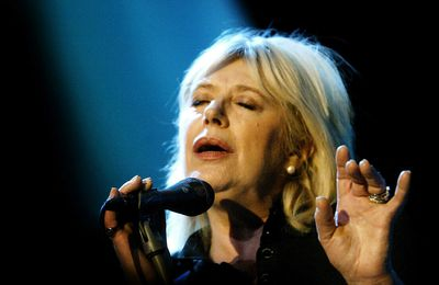 Article 15 Janvier 2021 - France24 - 60s icon Marianne Faithfull reveals 'long Covid' battle