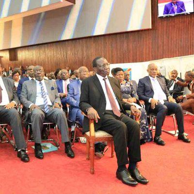 #RDC : LE GOUVERNEMENT EST FINALEMENT INVESTI, RESSUSCITONS CERTAINES AFFAIRES (...)